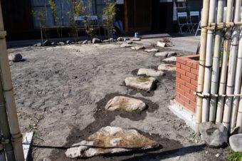 屋外の挙式スペースにもなる和風庭園、間もなく完成!